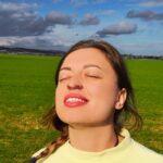 nose-filter-nasal-screen-demo-nature-4- girl-wearing-dust-mask-free